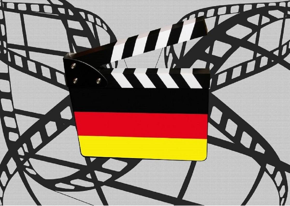 szórakozva németül